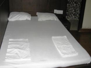 Hotel S B Inn