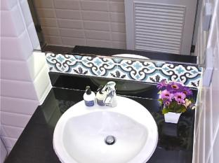 Nai Lert Residence Bangkok - Grand Deluxe Suite Bathroom