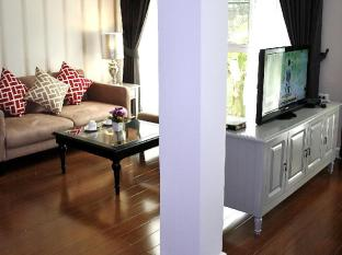 Nai Lert Residence Bangkok - Grand Deluxe Living Room