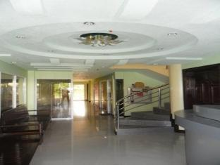 picture 3 of Voyagers Palace