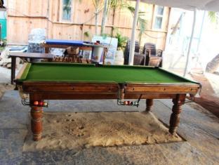 Cafe Blue Hotel South Goa - Pool table