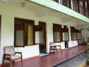 Kandila Inn
