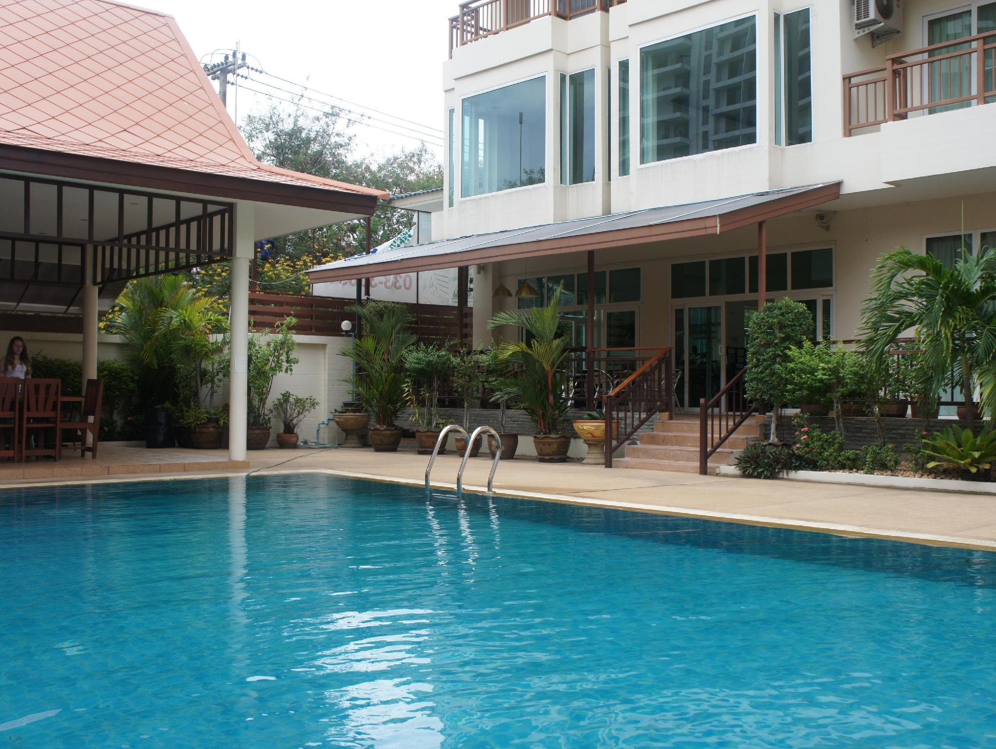 Emerald Palace   Serviced Apartment