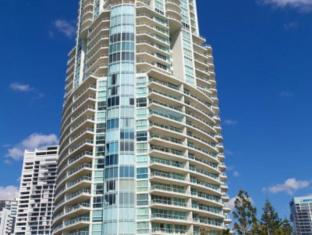 Carmel by the Sea Holiday Apartments Broadbeach Gold Coast - Exterior