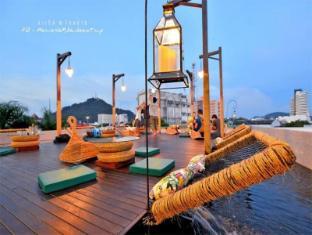 Quip Bed & Breakfast Phuket Hotel פוקט - בר/טרקלין