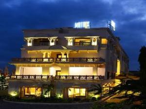 Hotel J C Castle