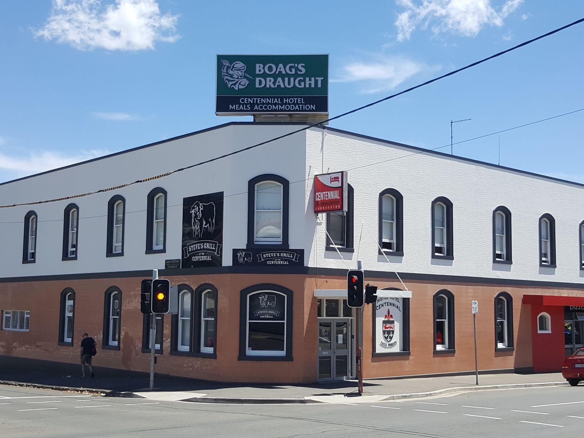 Centennial Inn On Bathurst