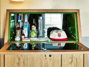 The Hollywood Roosevelt Hotel Los Angeles (CA) - Mini Bar