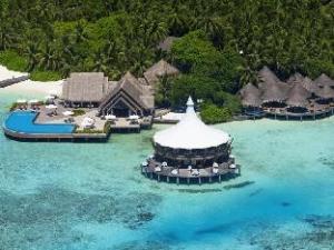 關於巴羅什馬爾代夫飯店 (Baros Maldives)