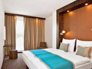 /sl-si/motel-one-salzburg-mirabell/hotel/salzburg-at.html?asq=vrkGgIUsL%2bbahMd1T3QaFc8vtOD6pz9C2Mlrix6aGww%3d