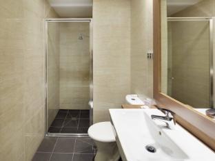 Perth Ambassador Hotel Perth - Premium Deluxe Double/Twin Room Ensuite
