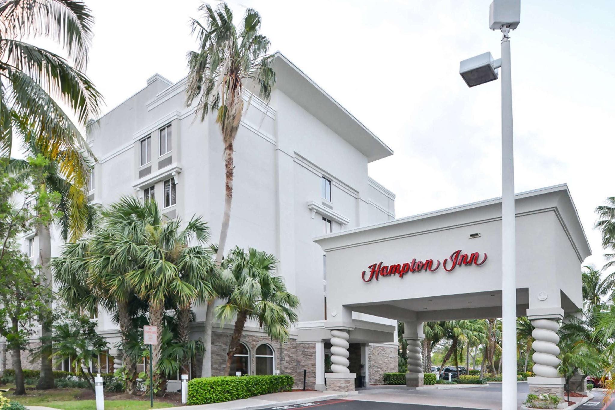 Hampton Inn Plantation Hotel