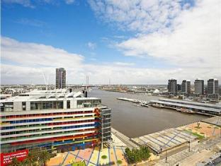 Astra Apartments Merchant Docklands