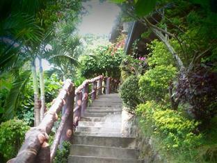 picture 3 of Hilltop Cottage Resort
