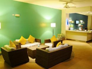 Park Inn by Radisson Davao Davao City - Pool Lounge