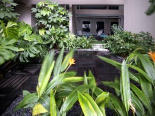 V Hotel Bencoolen Singapore - Hotellet indefra