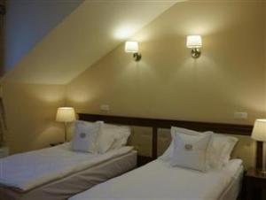ホテル コロニー (Hotel Koronny)