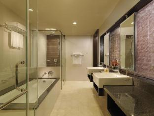 Micasa All Suite Hotel Kuala Lumpur - Bathroom