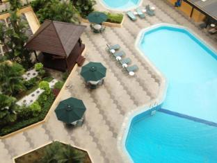Corus Hotel Kuala Lumpur - Swimming Pool