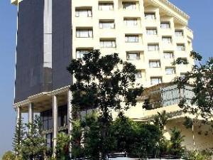 Gokulam Park Hotel