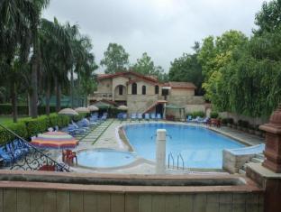 Ashok Country Resort New Delhi and NCR - Swimming Pool