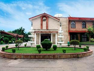 Ashok Country Resort New Delhi and NCR - Entrance