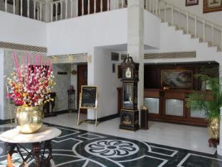 Ashok Country Resort New Delhi and NCR - Reception