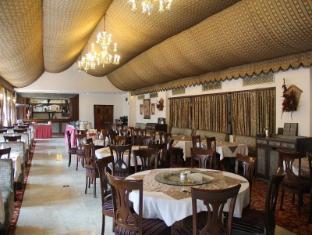 Ashok Country Resort New Delhi and NCR - Restaurant