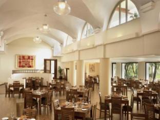 果阿城市酒店 果阿 - 餐厅