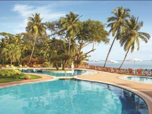 果阿城市酒店 果阿 - 游泳池