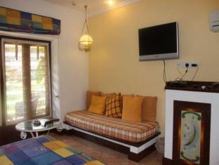 Coconut Grove Hotel South Goa - Deluxe room
