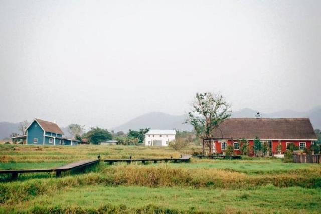 บ้าน 2 ห้องนอน 2 ห้องน้ำส่วนตัว ขนาด 102 ตร.ม. – เวียงเหนือ – The Red House in Romance Farm