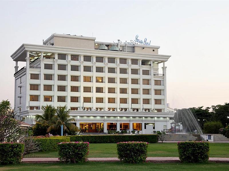 Sun N Sand Shirdi Hotel
