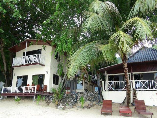 มีเดช เกสท์เฮาส์ – Meedej Guesthouse