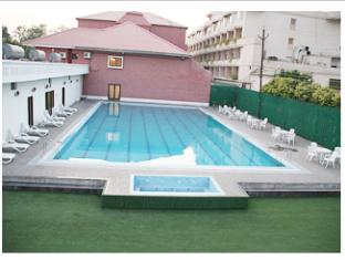 Queens Hotel Of India