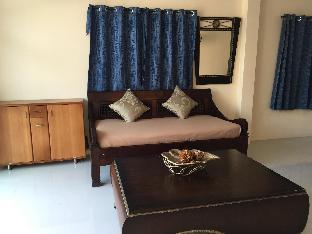 Krabi Town Sleeps 10 With Kitchen