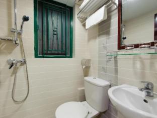 Jin Xiang Hotel Hong Kong - Bathroom