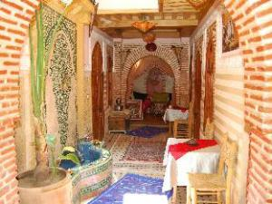 關於里亞德威尼斯亞飯店 (Riad Venezia)