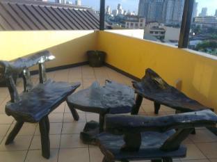 RUS888 Roomtel Manila