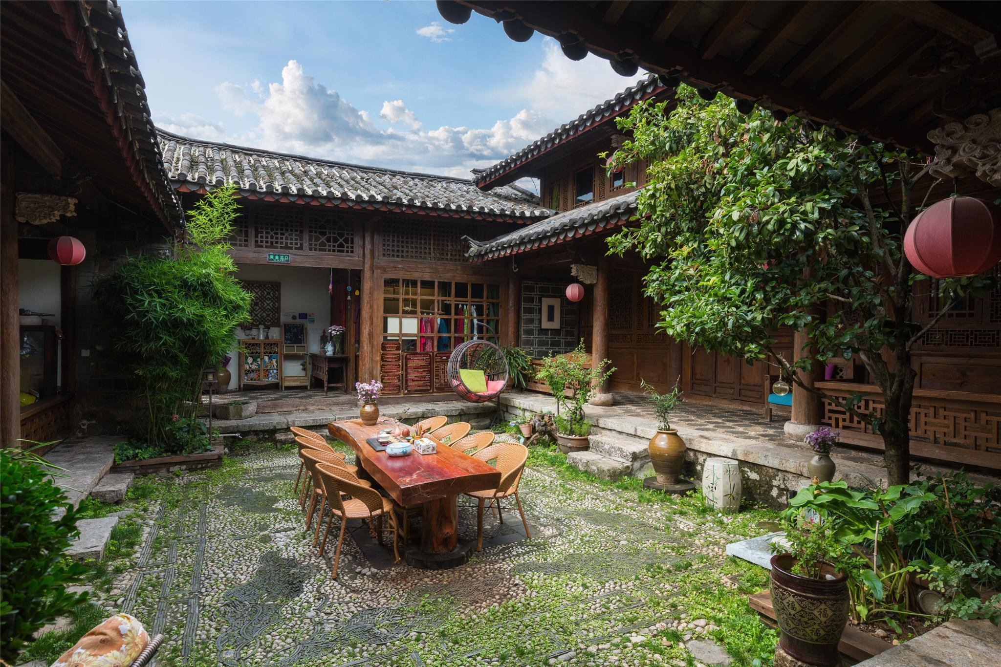 Blossom Hill Inn Lijiang Weavingland