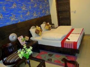 Hotel Guru Vas Inn