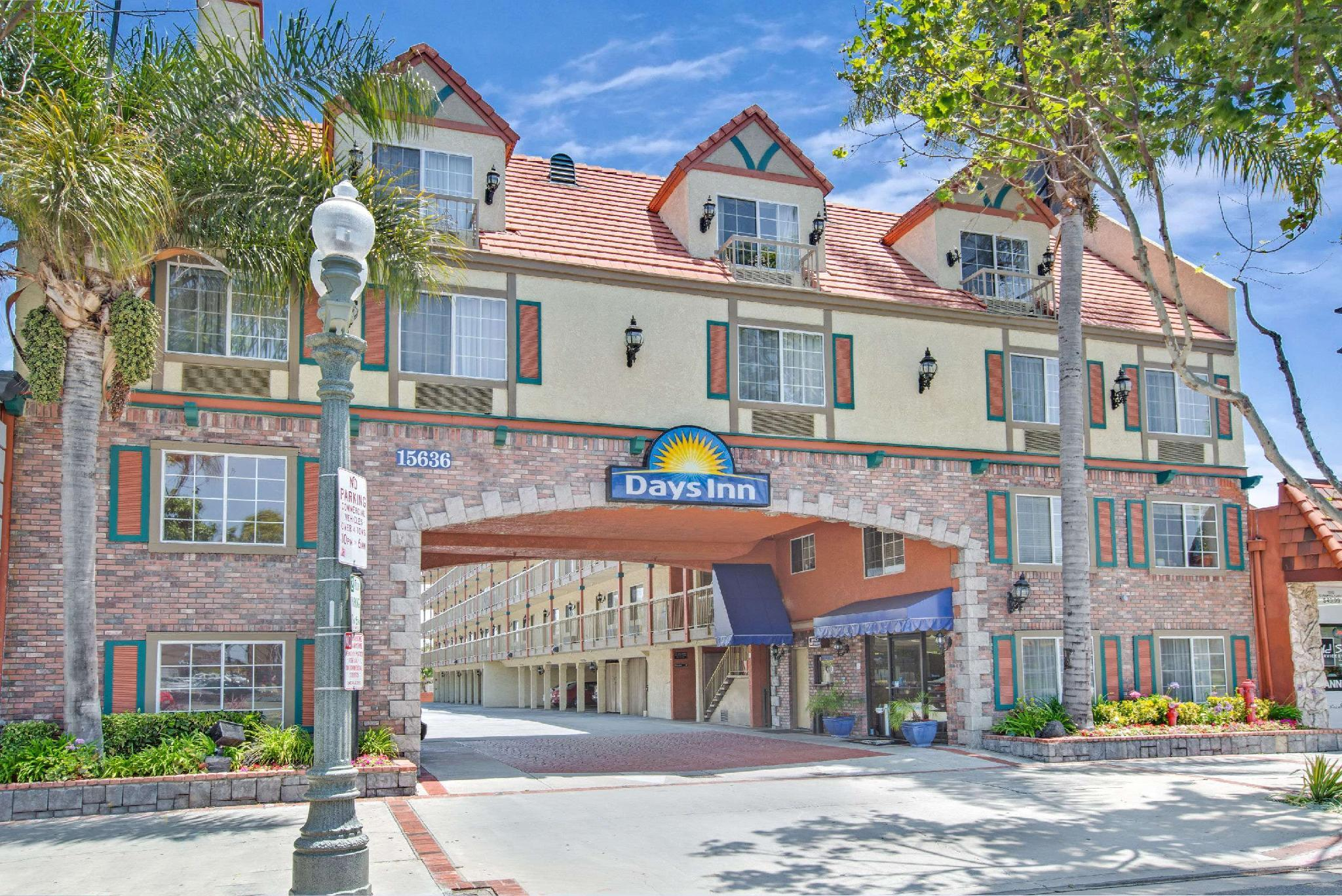 Days Inn By Wyndham Los Angeles LAX  RedondoandManhattanBeach