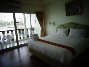 At Sea Residence Pattaya - Deluxe sea view room