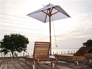 Aarya Lagoon Resort 4