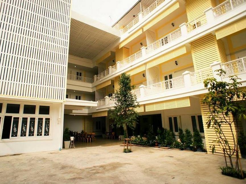 Sri Krungthep Hotel โรงแรมศรีกรุงเทพ