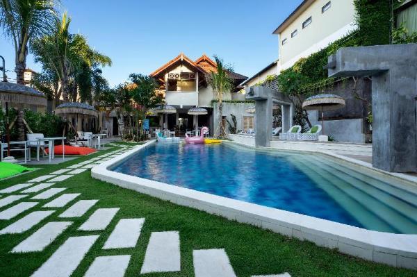 18 Suite Villa Loft Kuta Bali