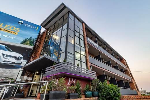 Kingsford Riverside Inn