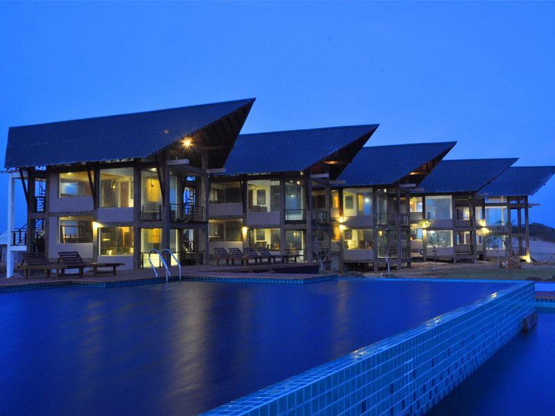 Laya Safari Hotel
