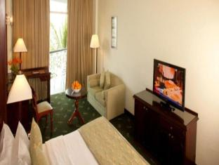 Mount Lavinia Hotel Colombo - Direct Ocean View