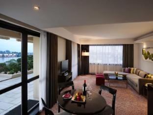 Cinnamon Lakeside Hotel Colombo - Sitting Room